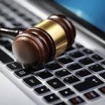 اعتماد الوثائق المدلى بها لدى المحاكم والمؤدى عنها واجب التمبر إلكترونيا