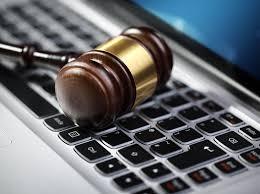 اعتماد الوثائق الإلكترونية بالمحاكم