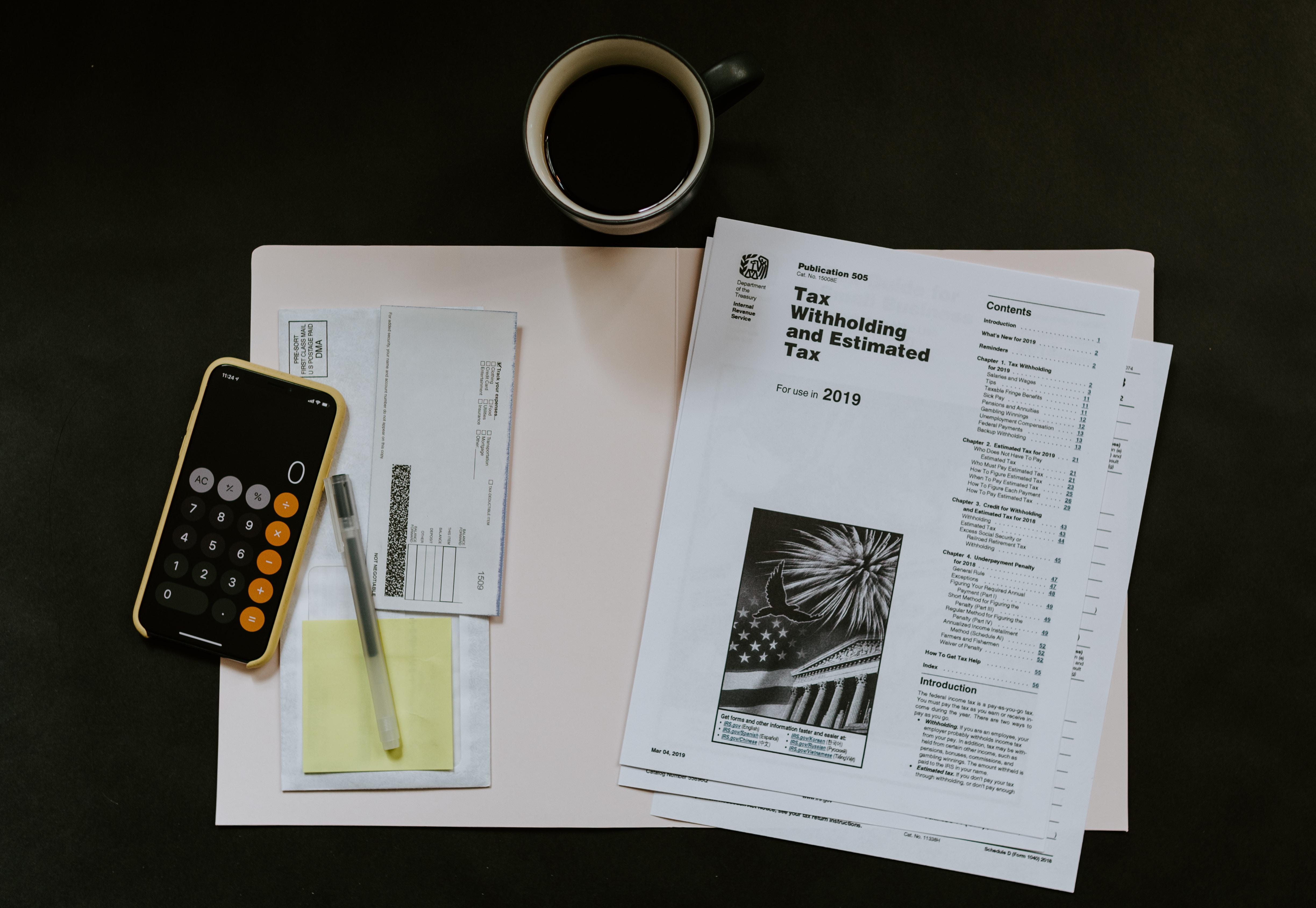 Taux de l'impôt sur le revenu à appliquer aux jetons de présence versés aux membres du conseil d'administration d'une société.